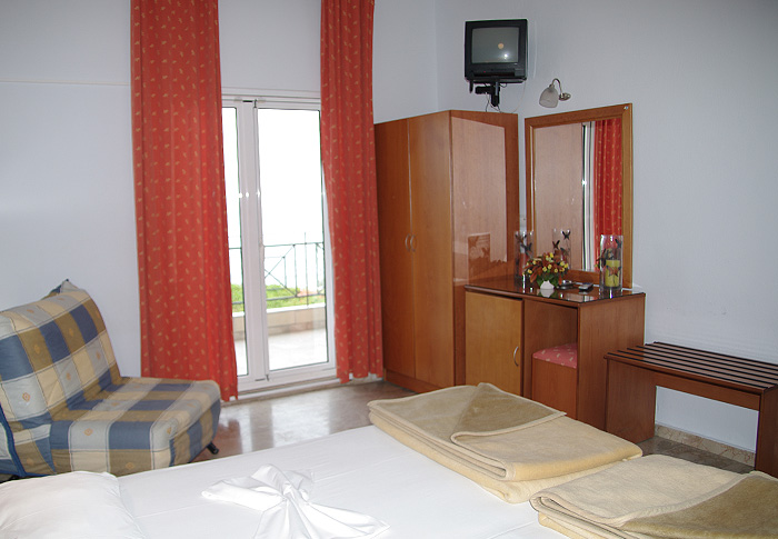goldensunhotel-rooms1