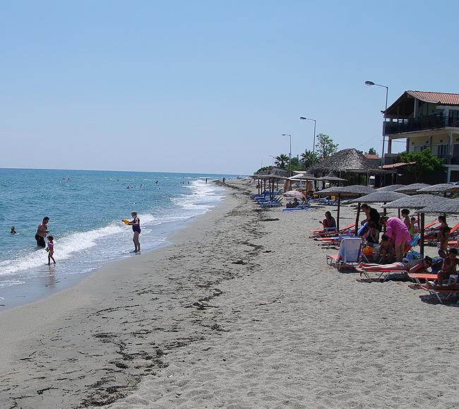 Η παραλία μπροστά από το ξενοδοχείο